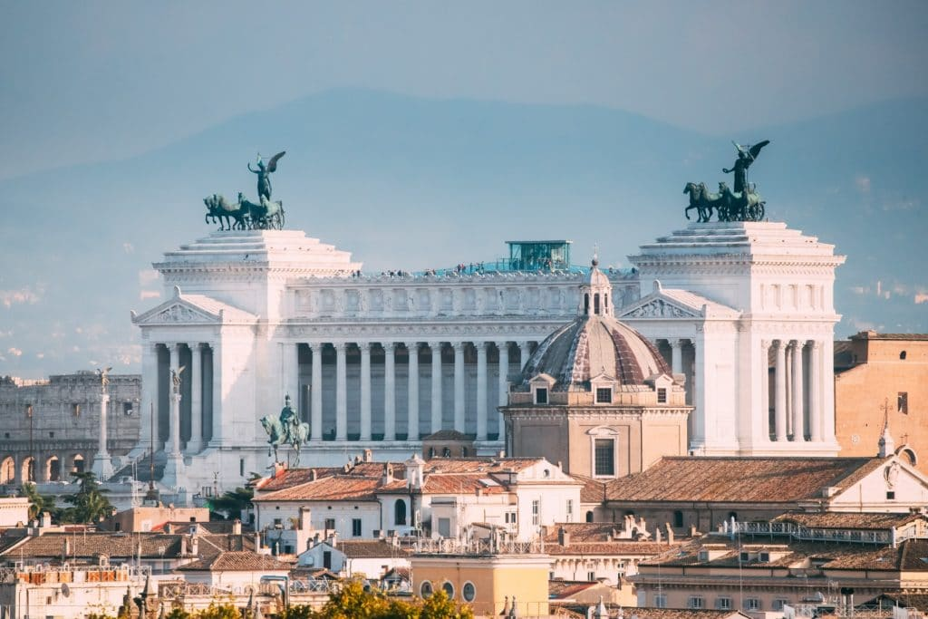 Rome attractions: Piazza Venezia