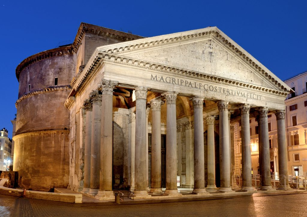 The Pantheon, one of the attractions to visit during the week in Roma
